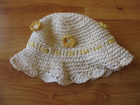 letní klobouk pro parádnici, 104