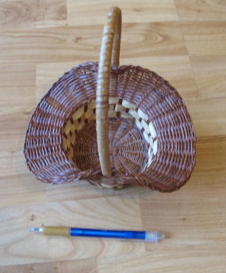pletený košík - družičkovský,