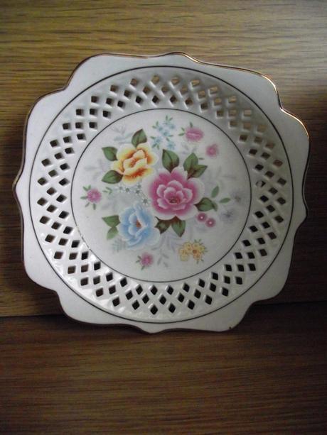 Porcelanovy zberatelsky tanierik,