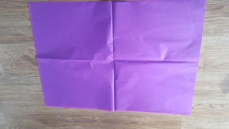 Fialový hedvábný papír na pompom,