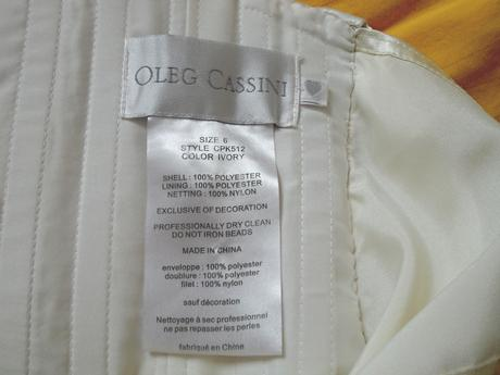 Originál Oleg Cassini šaty s kapsami a vlečkou, 38