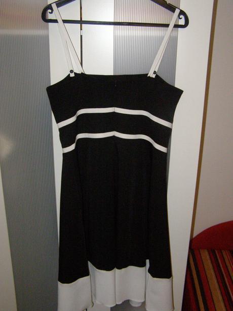 Krátke čierne elegantné šaty - 40, 40