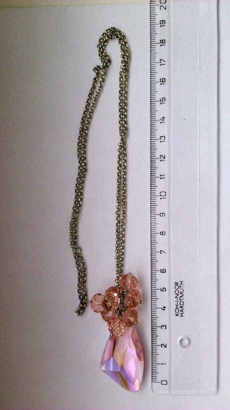 ružový náhrdelník,