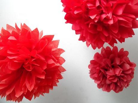 Pom poms květiny - 15,25,35cm, červená,
