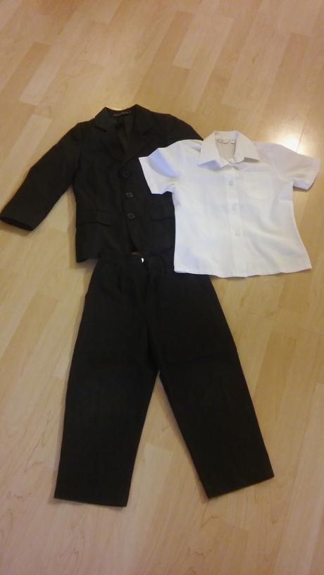 Chlapecký oblek s košilí, velikost 4 roky, 116
