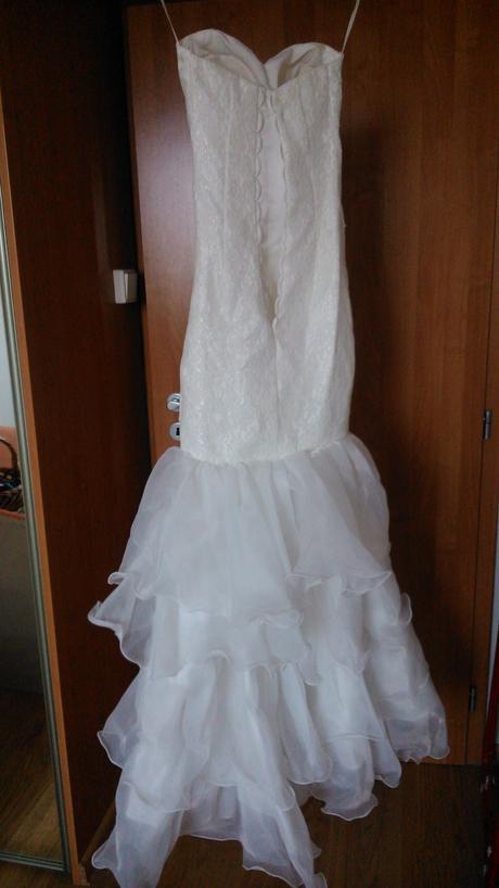 Svadobne šaty z vleckou na odopinanie, 34