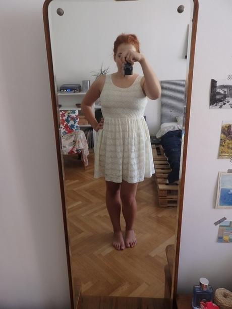 Krémové krajkové šaty H&M, L
