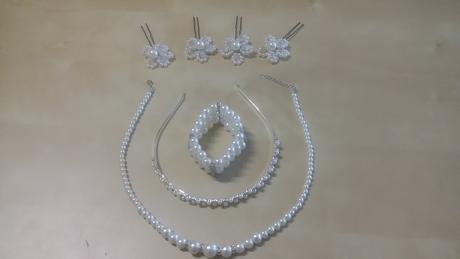 Svatební set perlových doplňků,