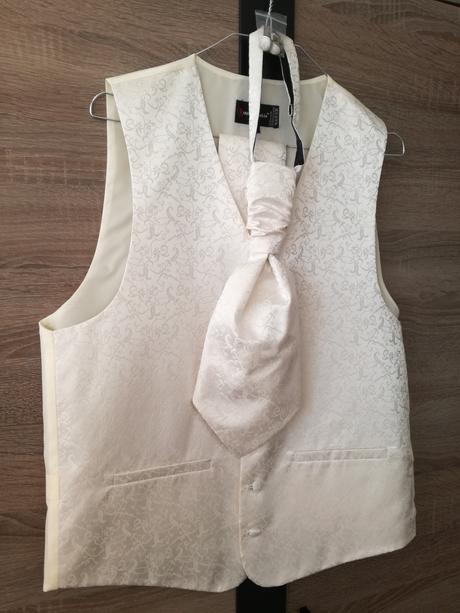 Pánsky set-vesta, kravata, vreckovky, manzet.gomb., 44
