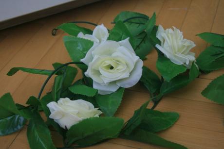 Květinová girlanda z růží,