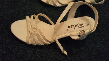 Sandálky na nízkěm podpatku, 37