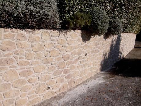 Stredomorský kameň,