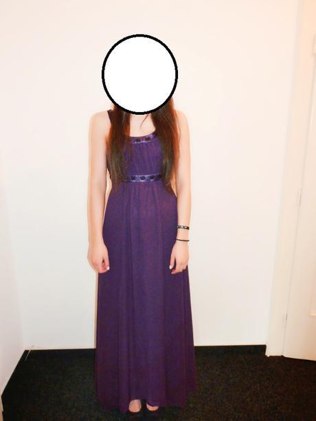 Fialové šifonové šaty s černými kamínky, 40