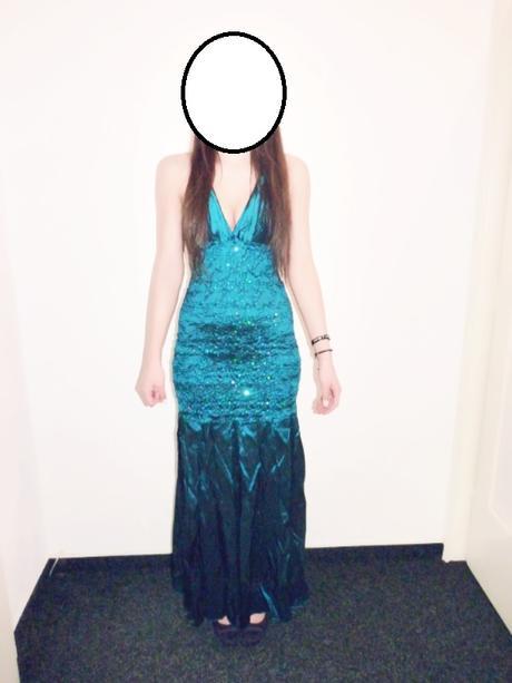 Modré plesové šaty, 40