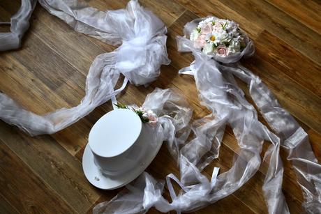 Ozdoby na auto, pro nevěstu i ženicha,