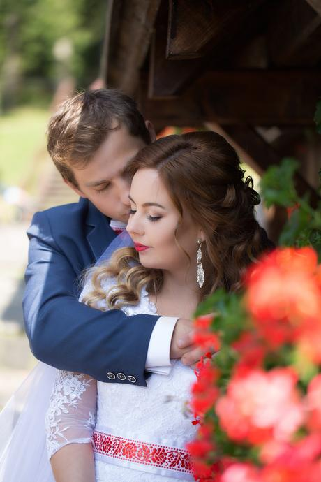 Svadobné šaty šité na mieru podľa Kate Middleton  , 36