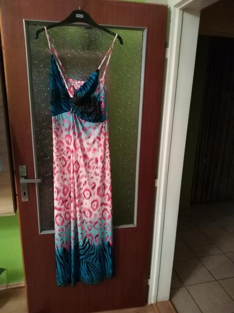 Pestrofarebné šaty, 44