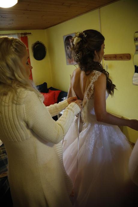 Svatební šaty s vlečkou vel. 32,34, 34