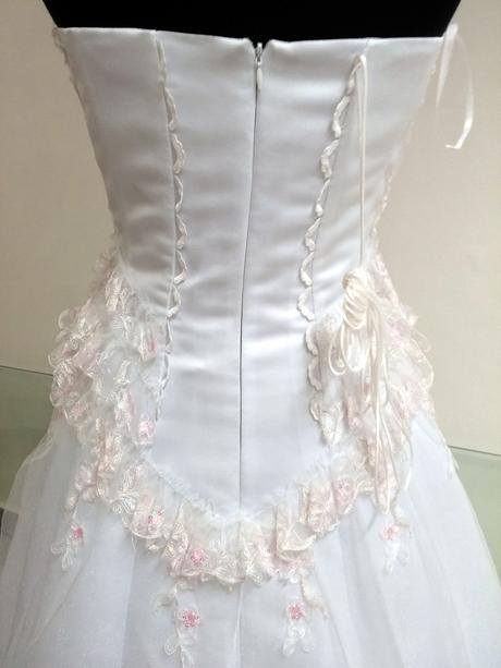 Svatební šaty vel.34-38, 38
