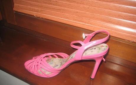 Čierne a cyklamenové sandále - cca 25 cm, 39