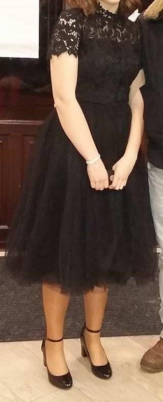 Čierne šaty s čipkovaným topom chi chi london 762b533ba81