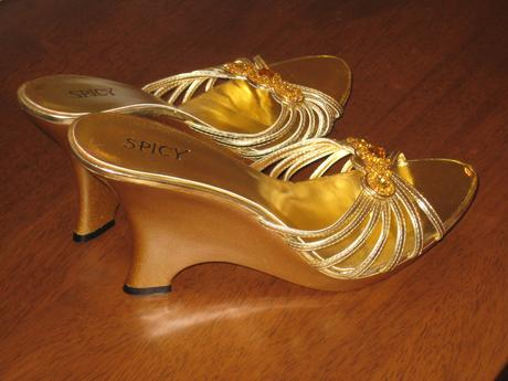 Dámske šľapky 24 cm a sandále 23,5 cm, 37