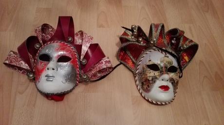 Masky.,