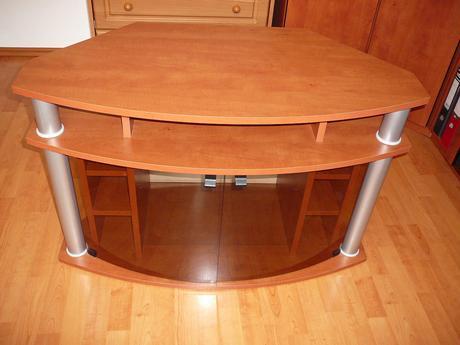 stolek pod televizi,