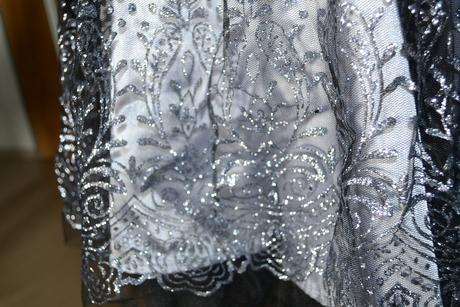 Elegantne cierno-strieborne saty (s postovnym), 38