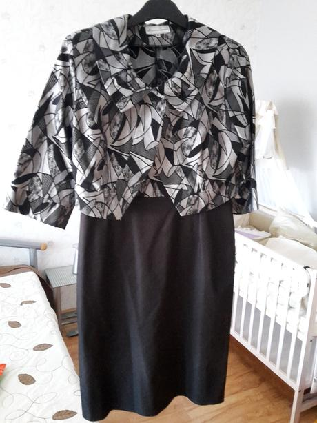 Šaty koktejlové čierne, 44