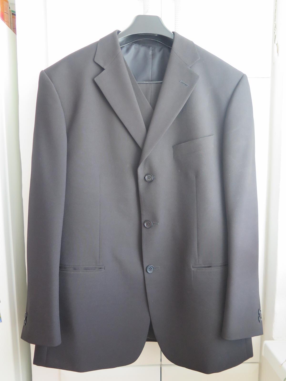 f01fde4df36 Pánský oblek op prostějov - 3-dílný