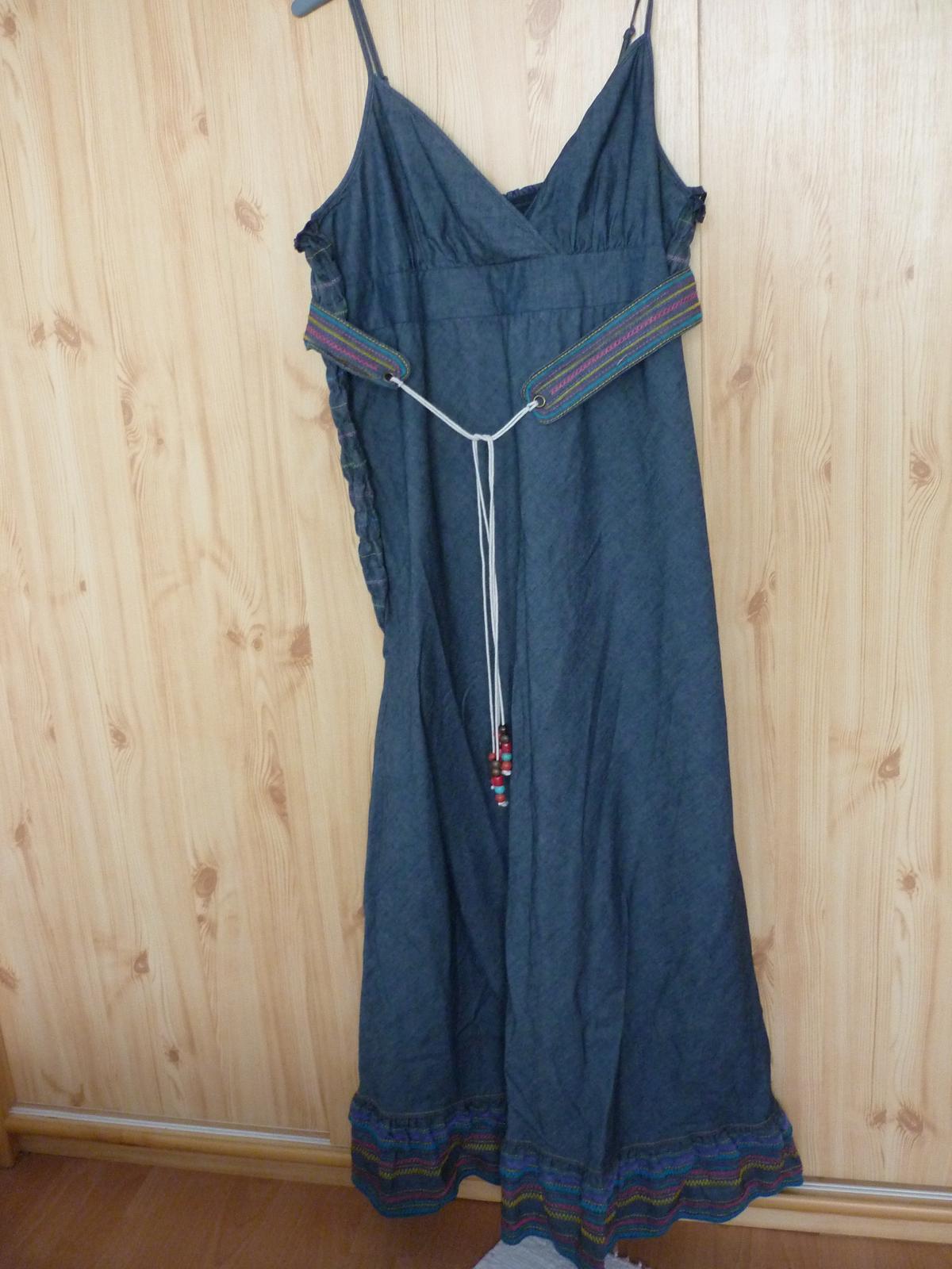 4fda97e9d5 Riflové šaty
