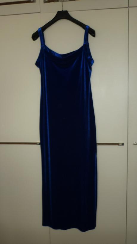 dlhé sametové šaty, 40