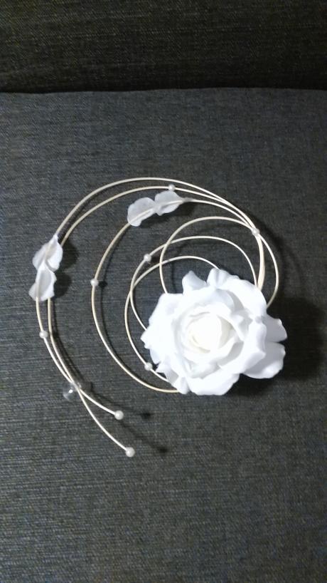 svadobný kvet na auto,