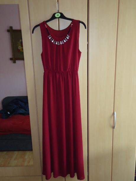 Společenské šaty v barvě bordo, 38