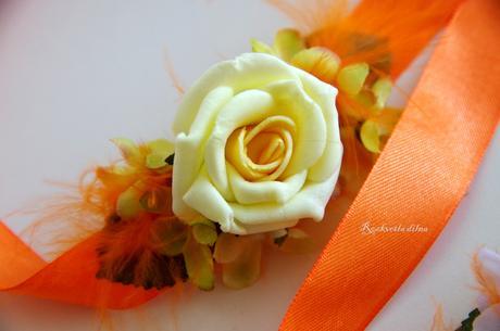 Náramek v oranžové,