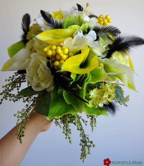 Netradiční žluto-zeleno-černá svatba ,