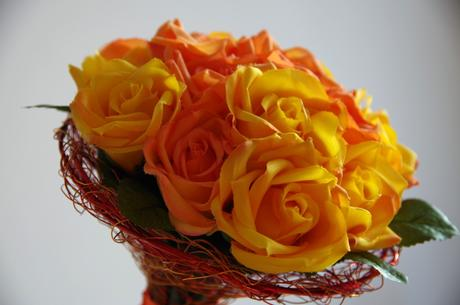 Oranžové a žluté růže - kytice,