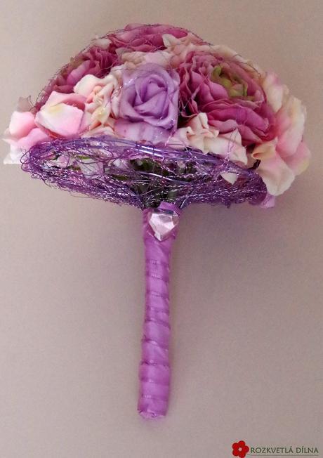 Pryskyřník a hortenzie - umělá kytice,
