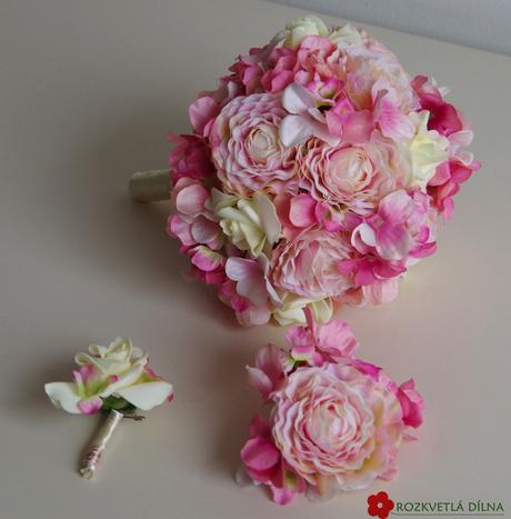 Světle růžová kytice - umělé květy,