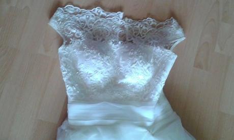 Posuniem ďalej svadobné šaty , 38