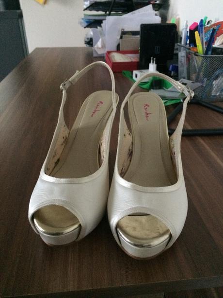 Luxusní svatební obuv britské značky Rainbow Club, 38
