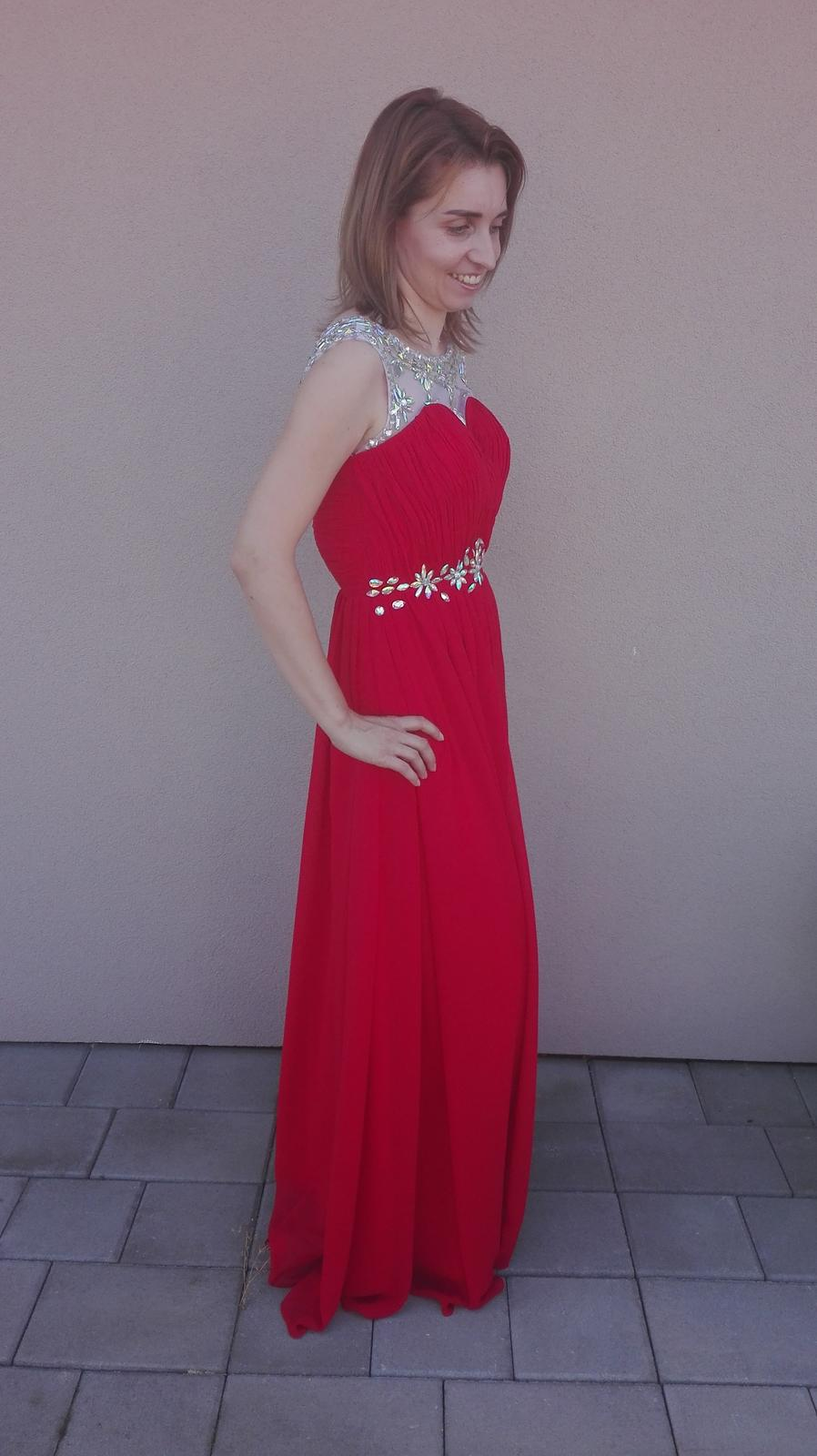 da6ca03c1cb9 Červené spoločenské šaty