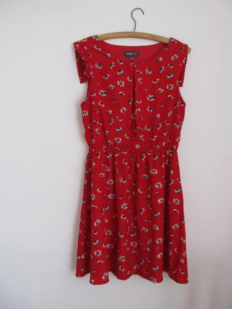 Překrásné elegantní šaty s květinovým vzorem, 42