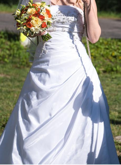 Svatební šaty bílé 36-38 (vč. vaku na šaty), 38