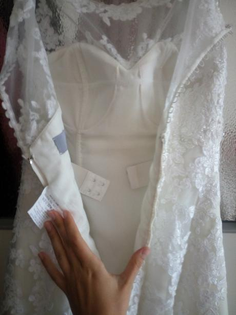 Svatební šaty Lillian West 6300 (vel. 34 - 38), 36