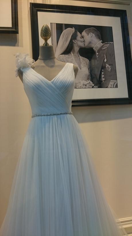 Bílé svatební šaty Pronovias, vel 36, 36