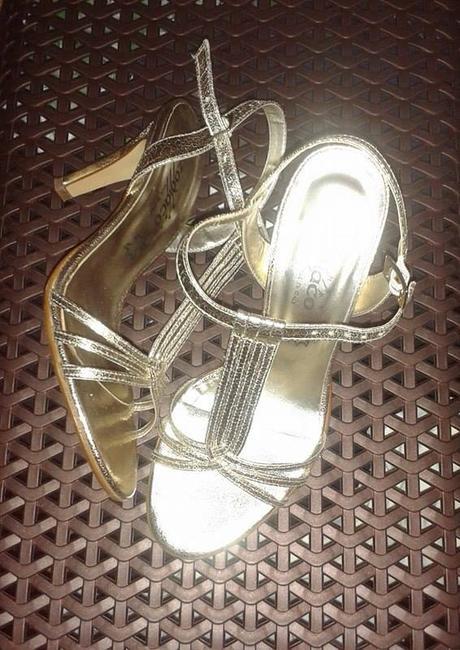 zlaté kožené sandálky, 37
