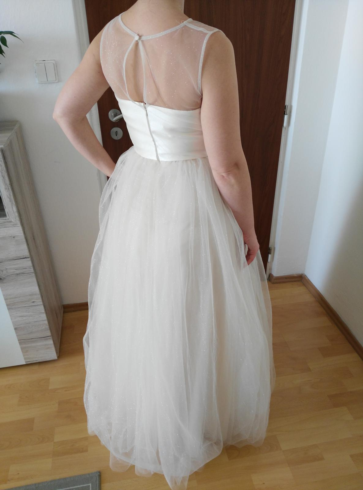 e5fdb59bf9de Trblietavé svadobné šaty- chi chi london
