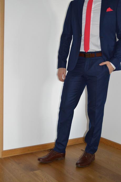 Pánsky oblek, 44
